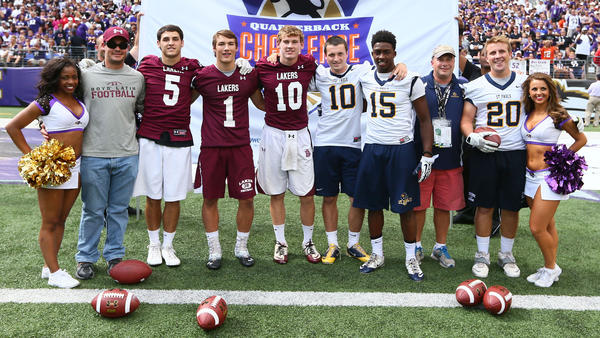 Boys' Latin's Freddy Bopst and St. Pauls Anthony Pino faced off in the Ravens' Quarterback Challenge.