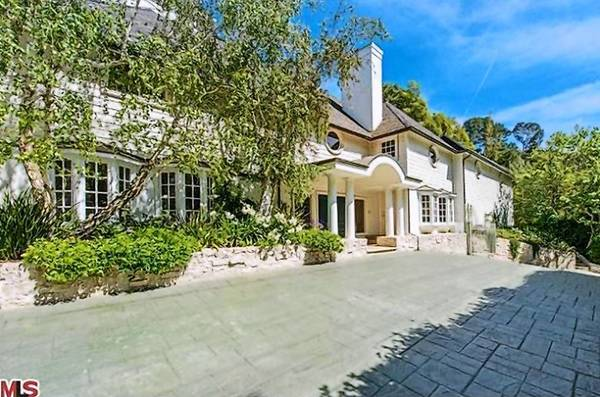 Actor Breckin Meyer and his wife, writer-producer Deborah Kaplan, have parted with their house in the 90210 ZIP Code for $2.775 million.