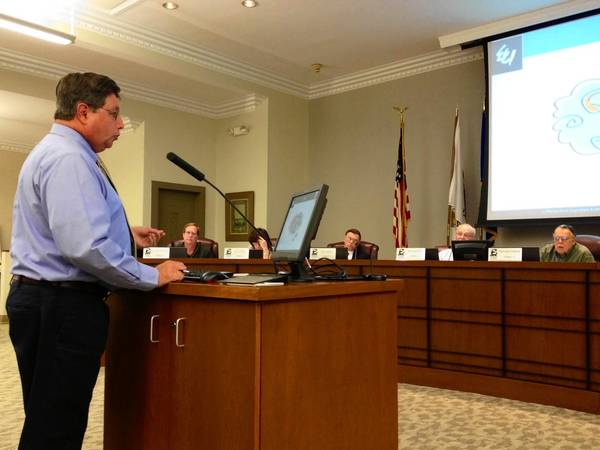 John Lamb, environmental services manager for the City of St. Charles, speaks to aldermen about the new Red Gate Water Tower design at a committee meeting Monday night