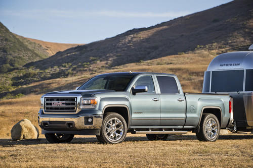 The 2014 GMC Sierra SLT Static with Airstream