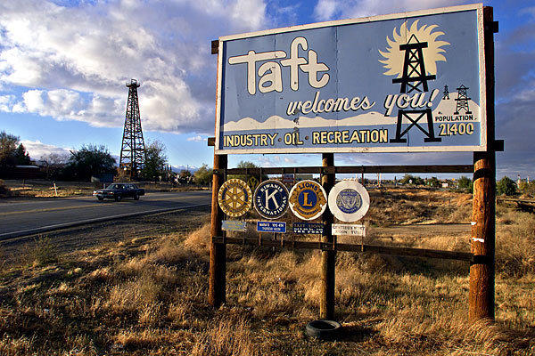 A file photo of the welcoming sign in Taft, Calif.