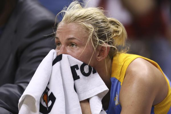 Courtney Vandersloot reacts late in the fourth quarter as her team loses to the Fever.