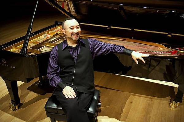 Pianist Jon Kimura Parker performed Saturday with the Orlando Philharmonic Orchestra.