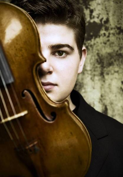 Violin phenom Chad Hoopes performs in New Haven on Oct. 3 with the New Haven Symphony Orchestra.