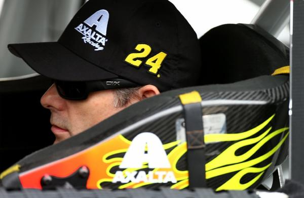 Don't look now, but Jeff Gordon is tied for fourth in the Chase for the Cup standings.