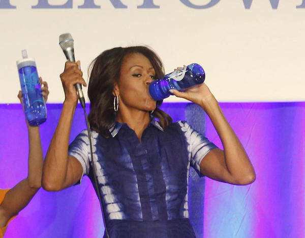 "Actress Eva Longoria teams with Brita to join First Lady Michelle Obama and Watertown High School principal Scott Mantei in support of ""Drink Up,"" a new effort launched by the Partnership for a Healthier America in Watertown, Wis."
