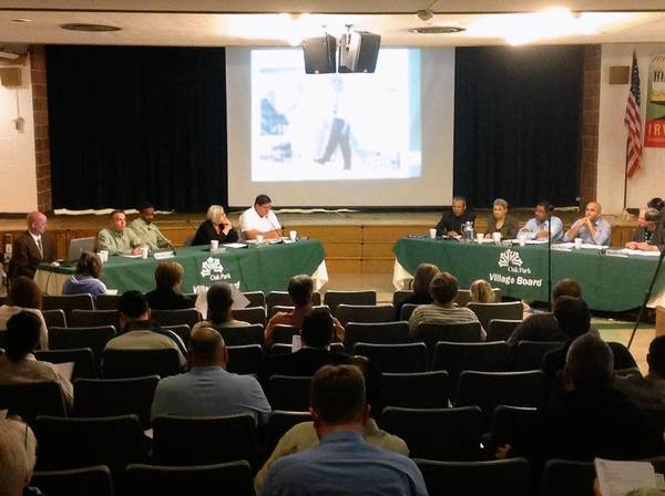 The Oak Park Village Board talked about an Eisenhower Expressway expansion project Monday with a crowd of about 110 people at Washington Irving Elementary School.