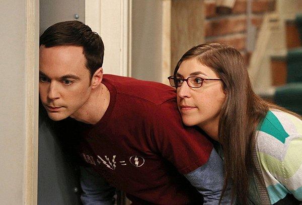 """Jim Parsons and Mayim Bialik in CBS' """"The Big Bang Theory."""""""