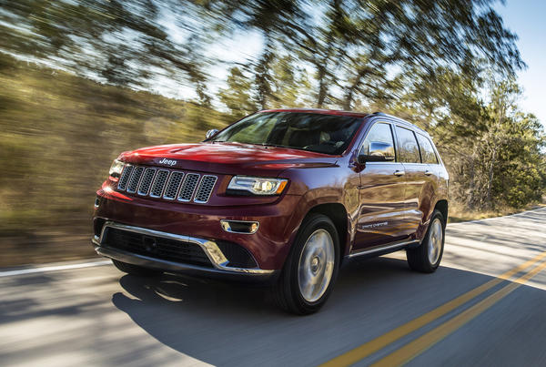 Jeep is recalling nearly 92,000 Grand Cherokees from the 2014 model year to fix an issue related to the vehicles' warning lights and instrument panel.