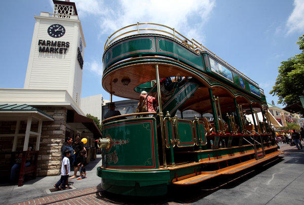 Los Angeles developer Rick Caruso has grand visions of his trolley at The Grove connecting museums and shopping complexes in the Mid-Wilshire area. He envisions the old-fashioned trolley going down Fairfax to the museums and along Third to the Beverly Center.