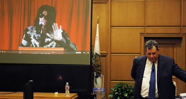 Brian Panish, attorney for the Michael Jackson family delivers his rebuttal argument to jurors in the Michael Jackson wrongful death trial on September 26, 2013.