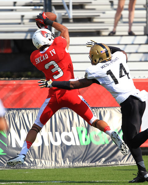 Ball State Cardinals wide receiver Willie Snead (3) catches a pass against the Army Black Knights.