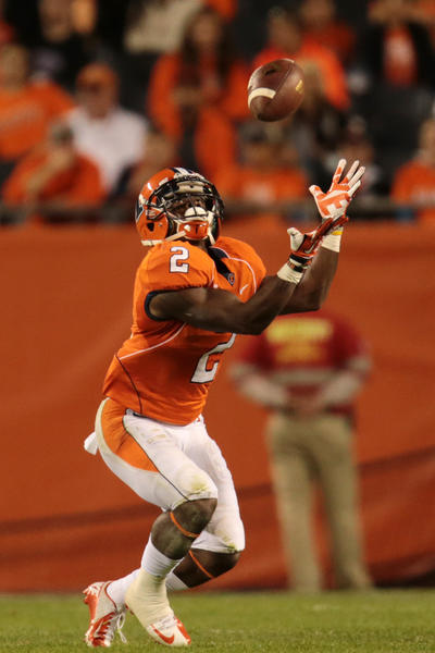 V'Angelo Bentley catches a punt in the second half against Washington.