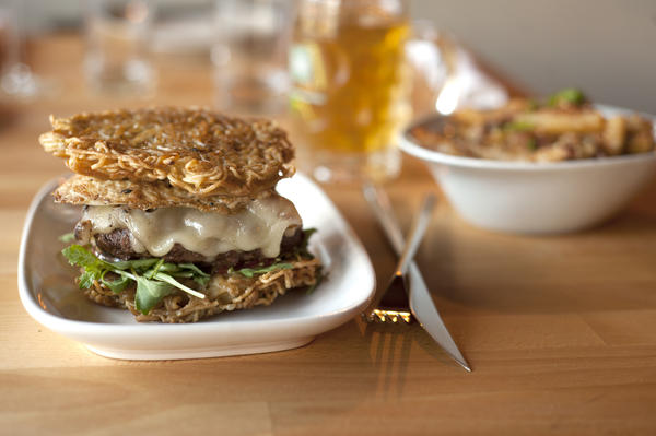 Buzz's ramen burger