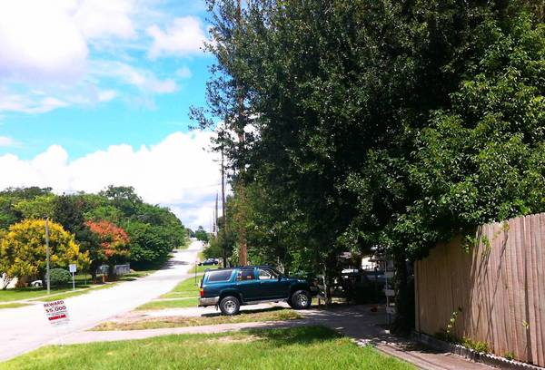 Edy Vasquez Hernandez, 31, of Apopka was killed around 10 p.m. in the 1000 block of South Hawthorne Avenue near GH Washington Street in Apopka, said Jim Young, Orlando Police Department spokesman.