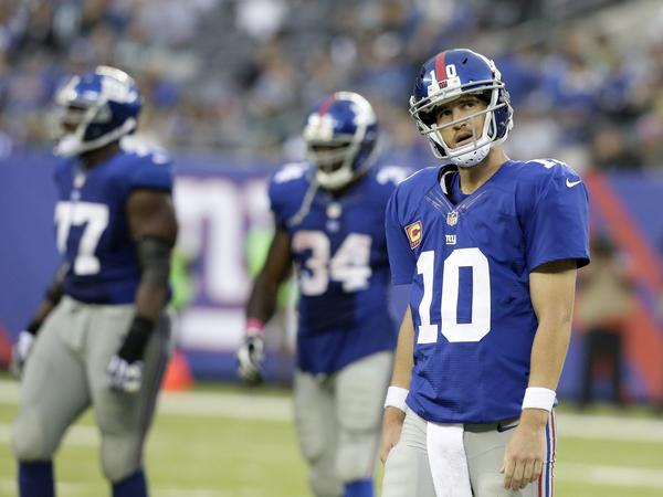Giants quarterback Eli Manning reacts after a play in the fourth quarter against the Eagles.