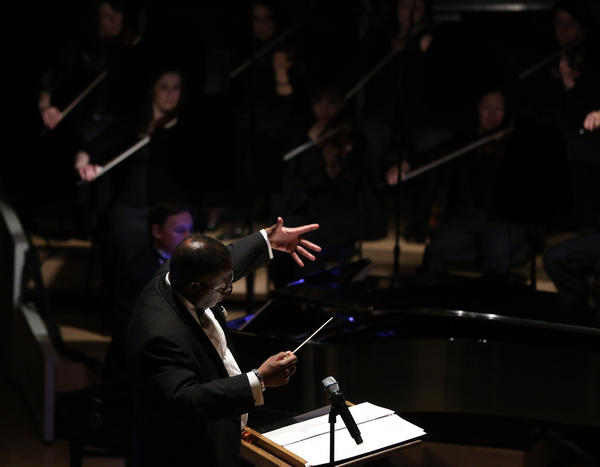 Orbert Davis conducts the Chicago Jazz Philharmonic in a multimedia event.