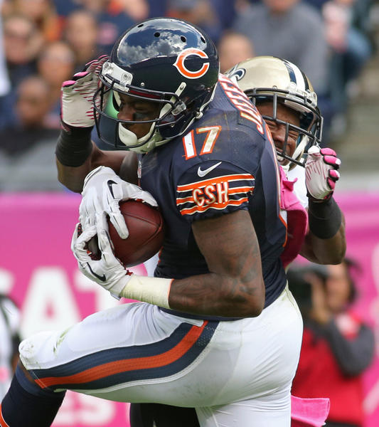 Alshon Jeffery of the Bears makes a reception that led to a touchdown as Jabari Greer of the Saints defends in the third quarter at Soldier Field Sunday,