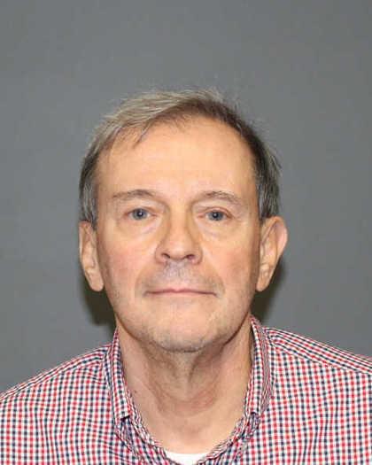 Joseph Callahan, fue arrestado el lunes en relacin con un arsenal de armas y explosivos en su casa de Fairfield.