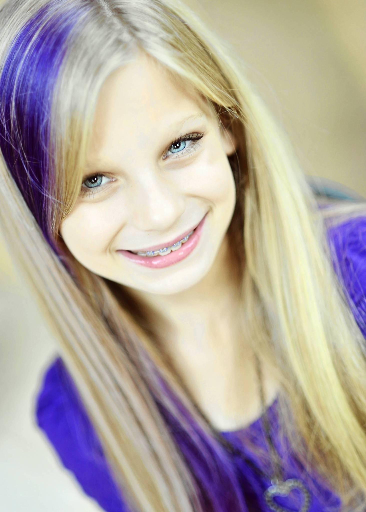 Tween Daughter Wants Blue Hair Chicago Tribune