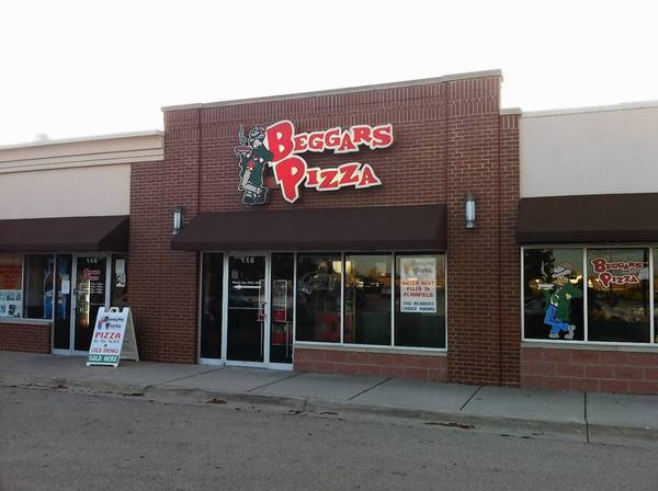 The Plainfield Village Board on Monday approved a new liquour license for Beggar's Pizza at 16122 Illinois Route 59.