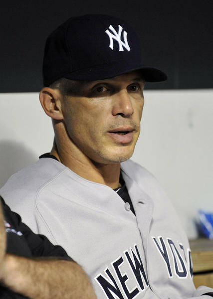 New York Yankees manager Joe Girardi has a new deal through 2017.