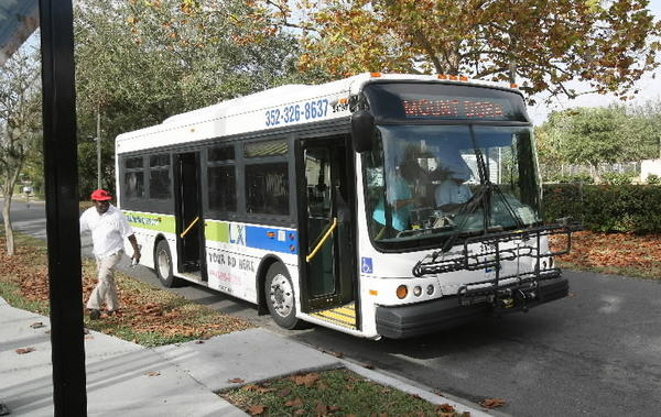 A public bus makes a stop on Lincoln Ave in Mount Dora in 2012.