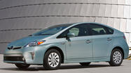 Toyota cuts price of 2014 Prius plug-in to boost interest