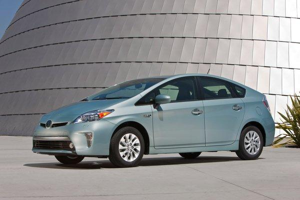Toyota has cut the price of the 2014 Prius plug-in by at least $2,000 to boost interest in the car.
