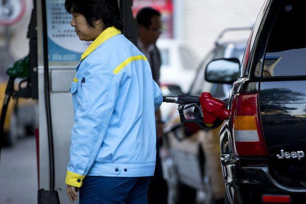 China passed the United States in September as the world's biggest net oil importer, driven by faster economic growth and strong auto sales, according to U.S. government data released this week.
