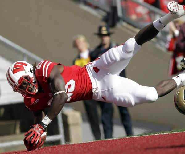 Wisconsin running back Melvin Gordon scores a touchdown on a 27-yard run during the second quarter against Purdue.