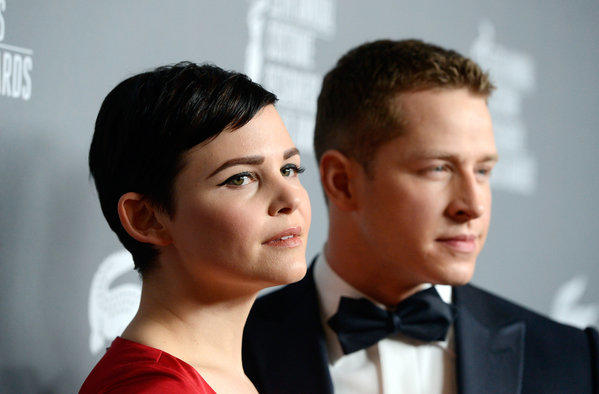 """Once Upon a Time"" stars Ginnifer Goodwin and Josh Dallas are engaged."