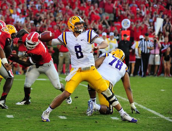 LSU quarterback Zach Mettenberger passes against Georgia.