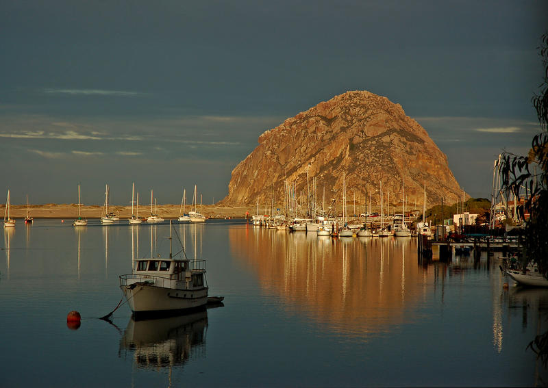 Morro Rock in the early morning. (Christopher Reynolds / Los Angeles Times)