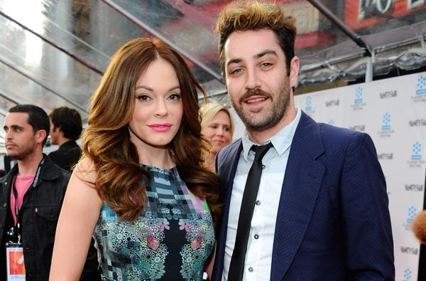 FILE: Rose McGowan Marries Davey Detail