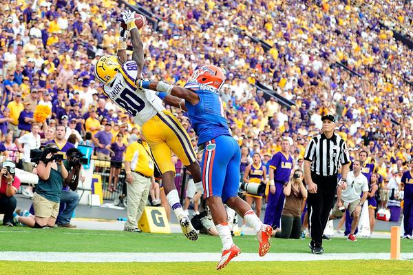 Gators CB Vernon Hargreaves III defends a pass intended for Jarvis Landry Tigers during a game at LSU.