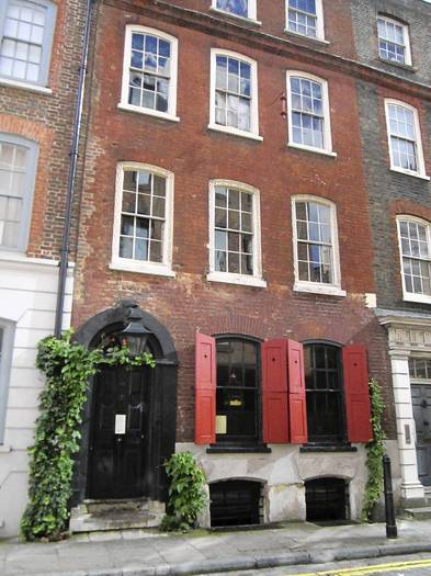 Dennis Severs House in London transports visitors back to the 1700s