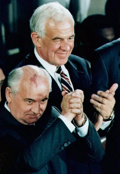 Former Speaker of the House Tom Foley stands next to former Soviet President Mikhail Gorbachev in this 1992 photo