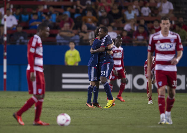 Juan Luis Anangono celebrates his goal against FC Dallas during first half.
