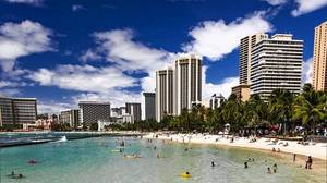 Eat and sleep on the cheap in Waikiki
