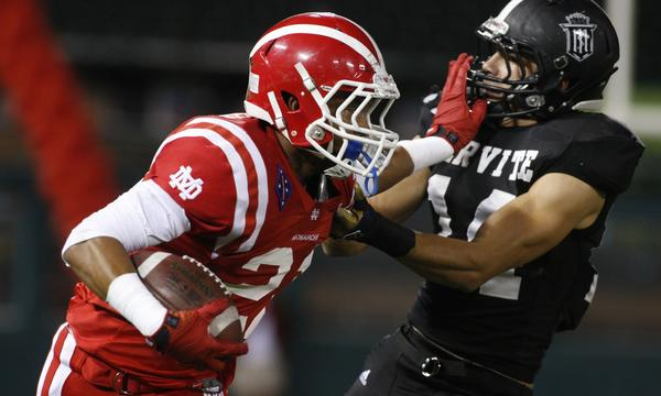 Mater Dei wide receiver Jonathan Lockett has emerged as a leader for the undefeated Monarchs.