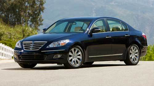 Federal safety regulators are looking into brake problems with the 2009 Hyundai Genesis.
