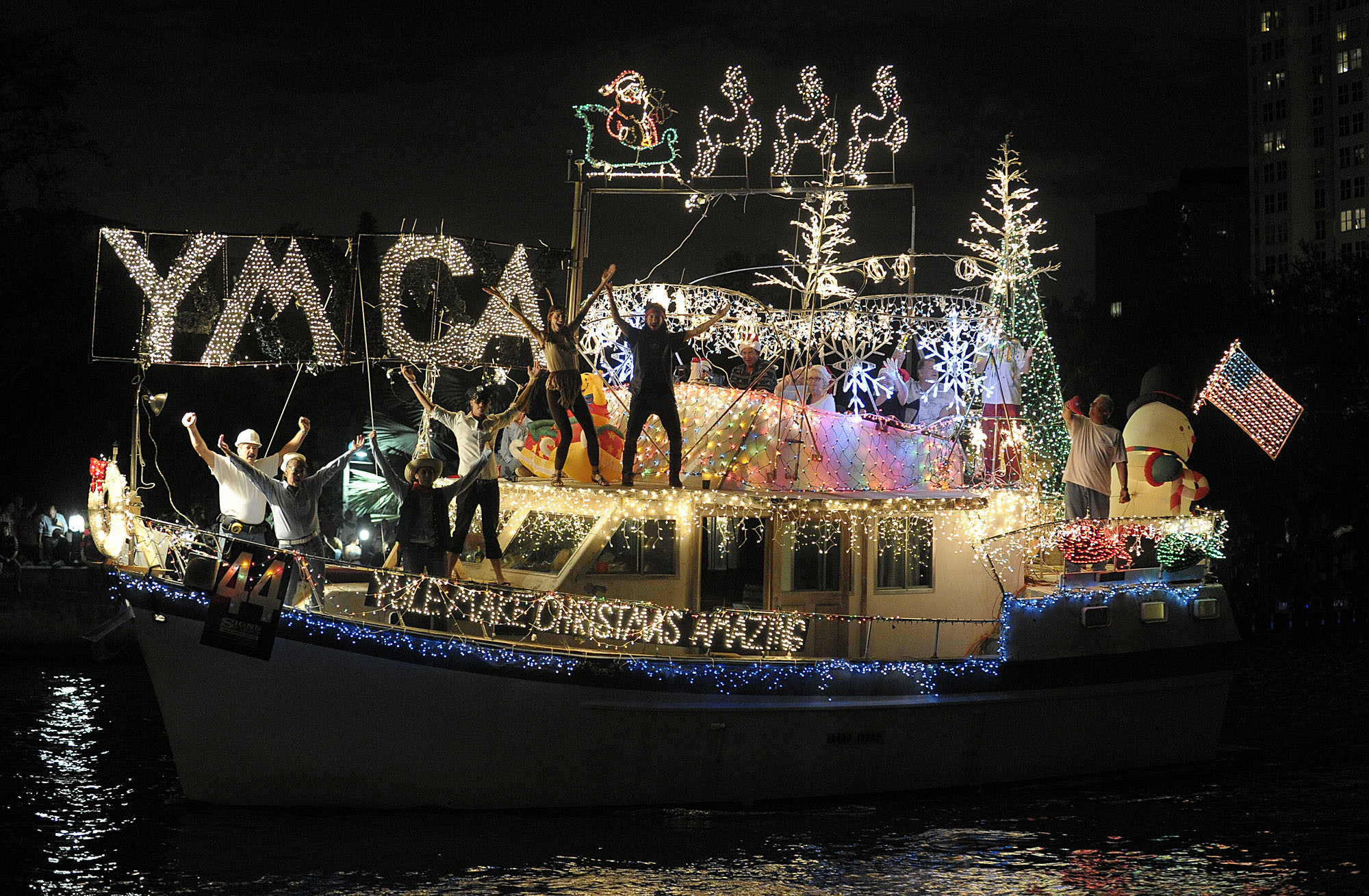 Things every South Floridian should do once - Winterfest Boat Parade