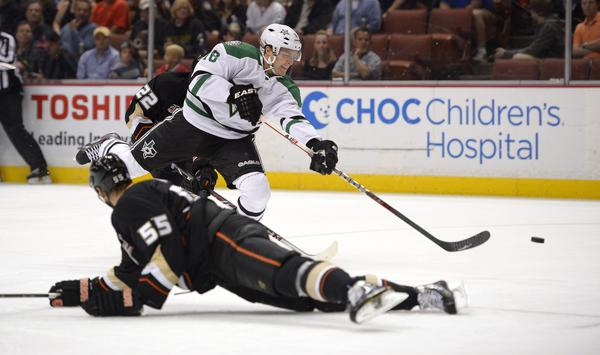 Dallas Stars center Ryan Garbutt shoots and scores against the Ducks on Sunday night.