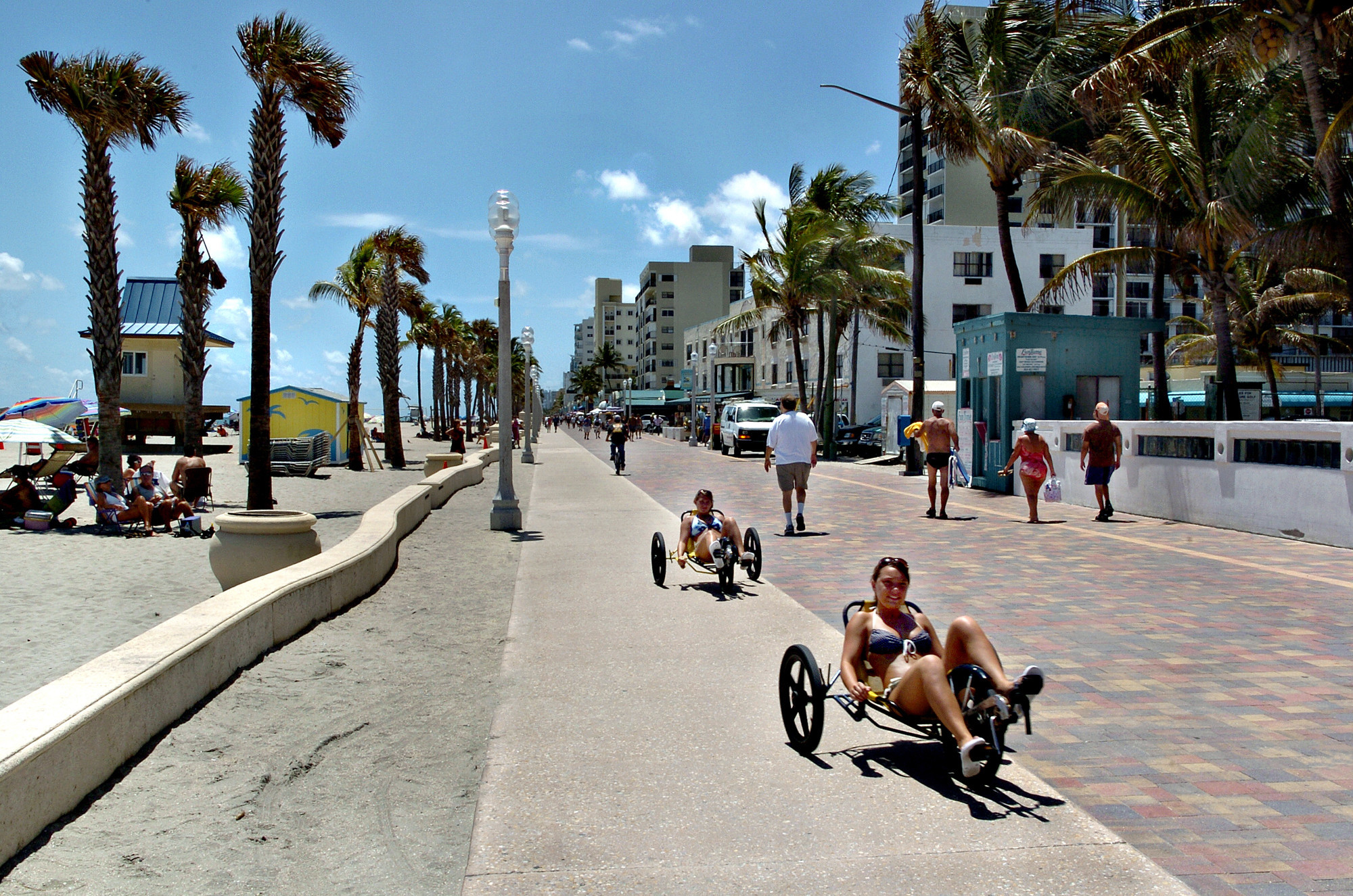 Things every South Floridian should do once - Hollywood Broadwalk