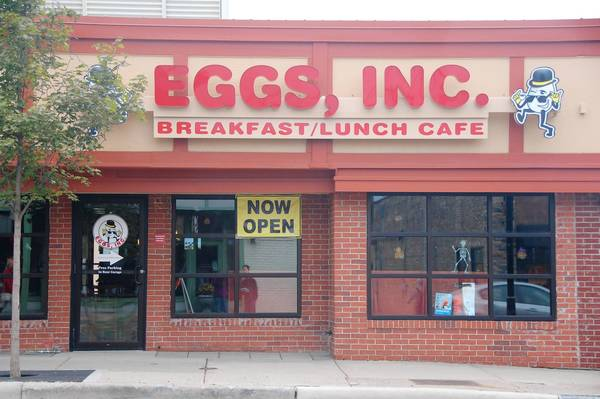 A ribbon cutting last week celebrated the opening of Eggs, Inc. Café, a new breakfast and lunch restaurant in downtown Naperville.
