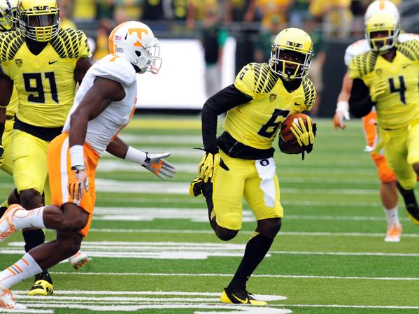 Oregon running back De'Anthony Thomas, shown running against Tennessee defensive back Michael Williams in September, is expected to return from an ankle injury against UCLA this week.