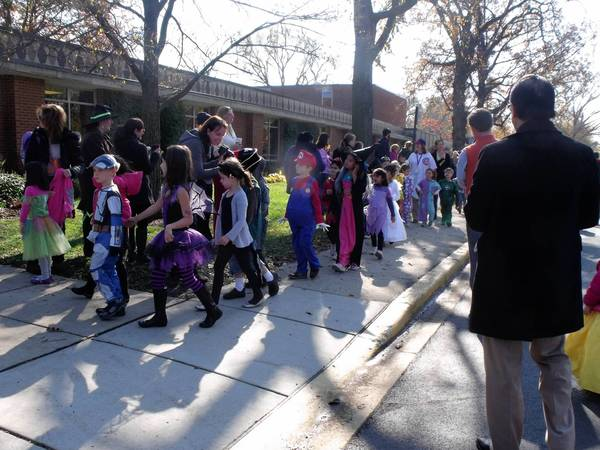 Romona School's 2012 Halloween parade in Wilmette.