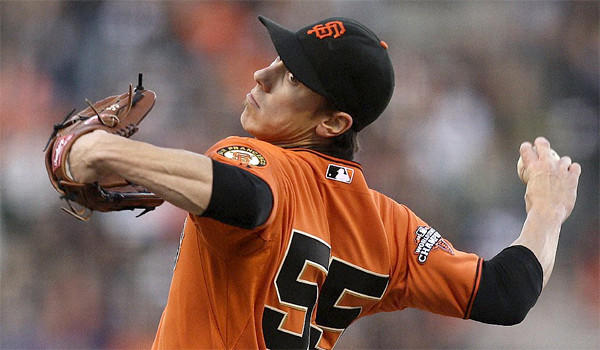 Right-hander Tim Lincecum and the San Francisco Giants have agreed on a two-year, $35-million contract pending a physical that includes a full no-trade clause.