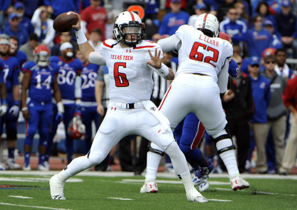 Quarterback Baker Mayfield (6) leads No. 10 Texas Tech against No. 15 Oklahoma on Saturday.